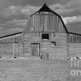 Kathleen Struckle - Large Barn