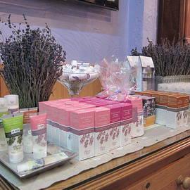 Pema Hou - Lavender Museum Shop 2