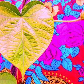 Julia Ivanovna Tanner - Leaf Heart