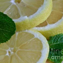 Tracy  Hall - Lemons