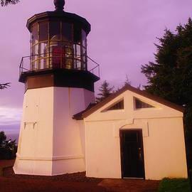Jeff  Swan - Light House
