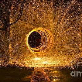 Inge Riis McDonald - Light Painting