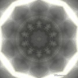 Ines Garay-Colomba - Lighten Mandala