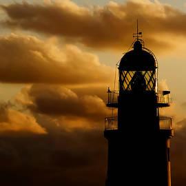 Pedro Cardona - lighthouse dawn in the north coast of Menorca