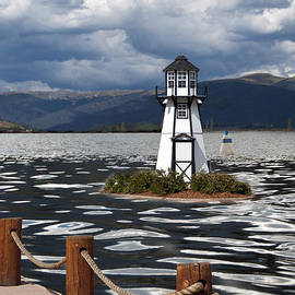 Juli Scalzi - Lighthouse in Lake Dillon