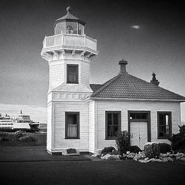 Patrick M Lynch - Lightstation Mukilteo BW