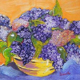 Dianela Cret Flueras - Lilac Flowers