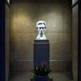 Glenn McCarthy - Lincoln Memorial Shrine - California