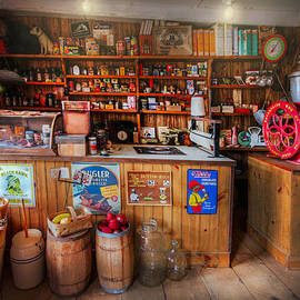Debra and Dave Vanderlaan - Little Country Grocery