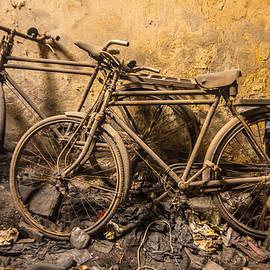 Stewart Granger - Lost bikes of Mumbai