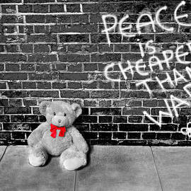 Chris Cox - Love not War