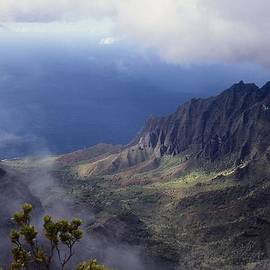 Stuart Litoff - Low Clouds over a Na Pali Coast Valley