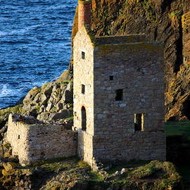 Terri  Waters - Lower Crown Engine House Botallack