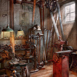 Mike Savad - Machinist - The modern workshop