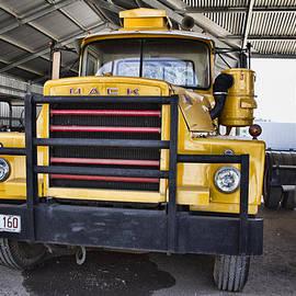 Douglas Barnard - Mack Truck V1
