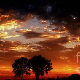 Scott B Bennett - Magistic Sunrise On Farm