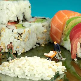 Paul Ge - Making Sushi little people on food