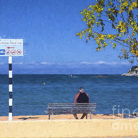 Sheila Smart - Man on bench at Kaiteriteri