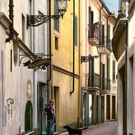 Jennie Breeze - Man.Dog.Balcony.Acqui Terme. Italy