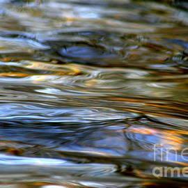 Neal  Eslinger - Marbeled Movement