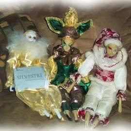Kelly Awad - Mardi Gras Dolls in Oils