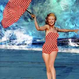 Marilyn Monroe - On The Beach