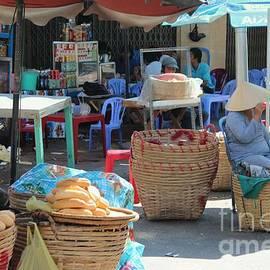 Yury Bashkin - Market Street Vietnam