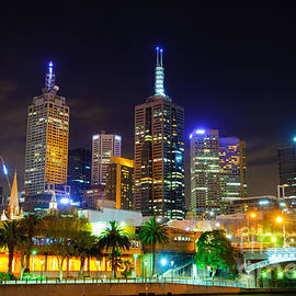 David Hill - Melbourne city skyline - Skyscapers and lights