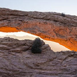 Brian Harig - Mesa Arch Sunrise Panorama - Canyonlands National Park - Moab Utah