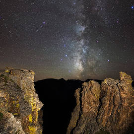 Mike Berenson - Milky Way Skies Over Rock Cut