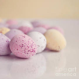 Lyn Randle - Mini easter eggs