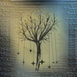 Ines Garay-Colomba - Mistic little tree