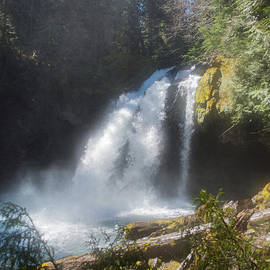 Roger Reeves  and Terrie Heslop - Misty Iron Creek Falls