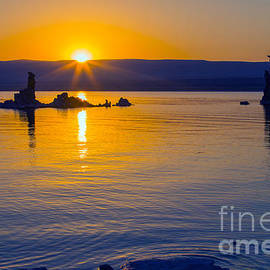 Nicholas Blackwell - Mono Lake Sunrise