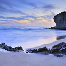 Guido Montanes Castillo - Monsul beach at sunset