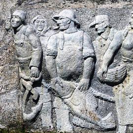 Patricia Januszkiewicz - Monument to Fishermen in Granite