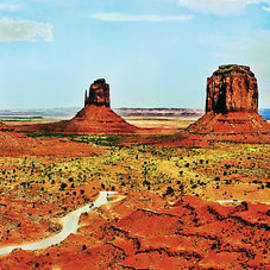 Bob and Nadine Johnston - Monument Valley Mittens CourtHouse Panorama