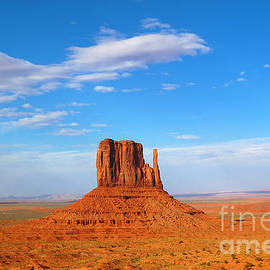 Debra Thompson - Monument Valley West and East Mittens