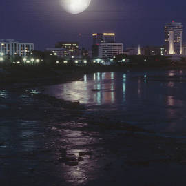 David Stevenson - Moon over Wichita