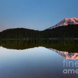 Mike  Dawson - Moonset over Rainier