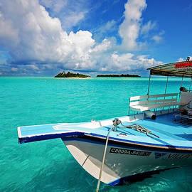 Jenny Rainbow - Moored Dhoni at Sun Island. Maldives