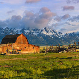 Henk Meijer Photography - Mormon Row Barn Grand Teton N.P