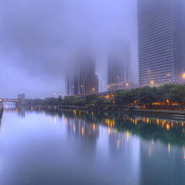 Lindley Johnson - Morning Fog on the Chicago River