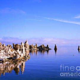 Alex Cassels - Morning light at Mono Lake