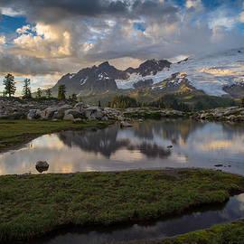 Mike Reid - Mount Baker Vivid Golden Cloudscape