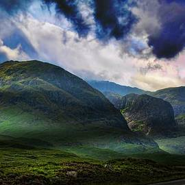 Alex Hardie - Mountainous Glencoe