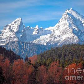 Viaina     - Mountains And Hills Ii