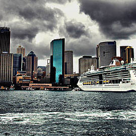 Andrei SKY - MS Radiance of the Seas at Circular Quay