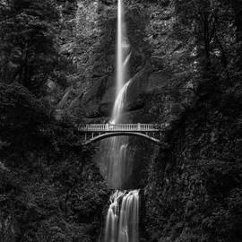 Adam Mateo Fierro - Multnomah Falls
