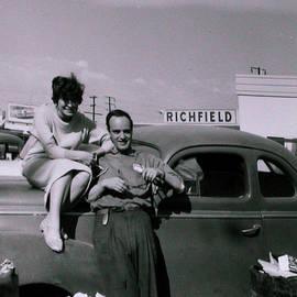 Colette V Hera  Guggenheim  - Mum Chris and Pappa Hans on travels America 1957